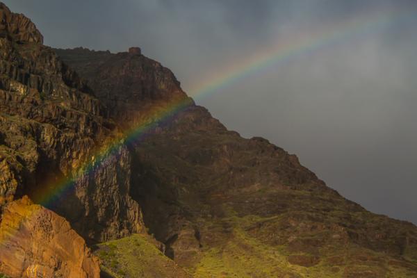 En regnskur kom ner från bergen