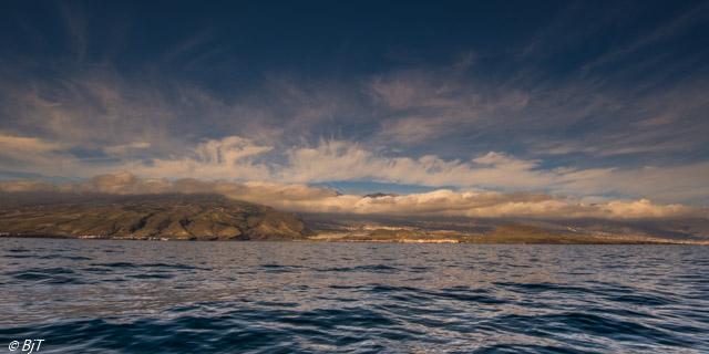 Teide försvinner bland molnen