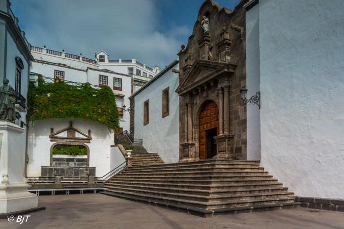 Iglesia del Salvador - Plaza de Espãna