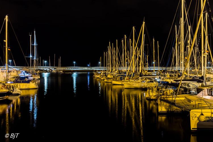 Stilla kväll i marinan